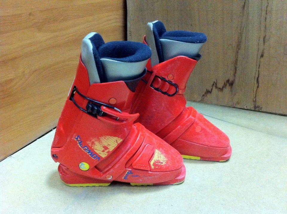 Аренда: Детские горнолыжные ботинки Salomon